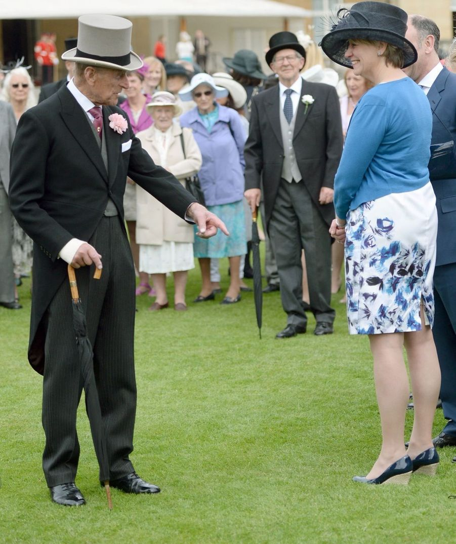 Elizabeth et Beatrice lancent l'été à Buckingham
