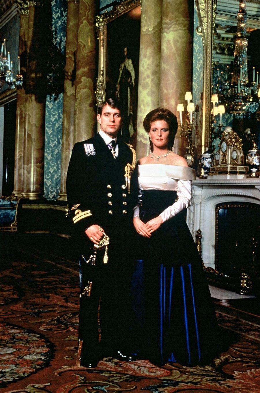 Portrait de Sarah Ferguson et du prince Andrew, fiancés en 1986
