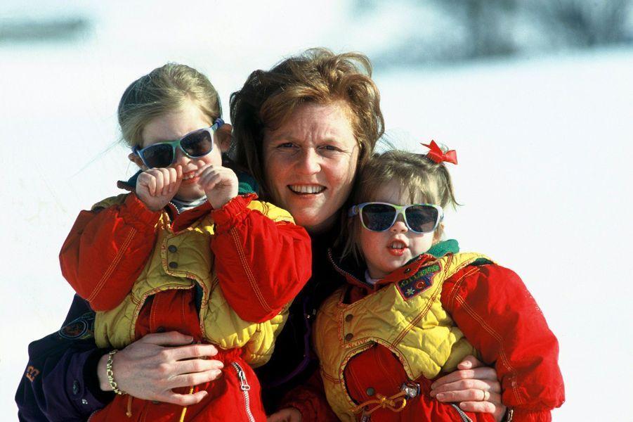 Sarah Ferguson avec ses filles, le 29 mars 1993