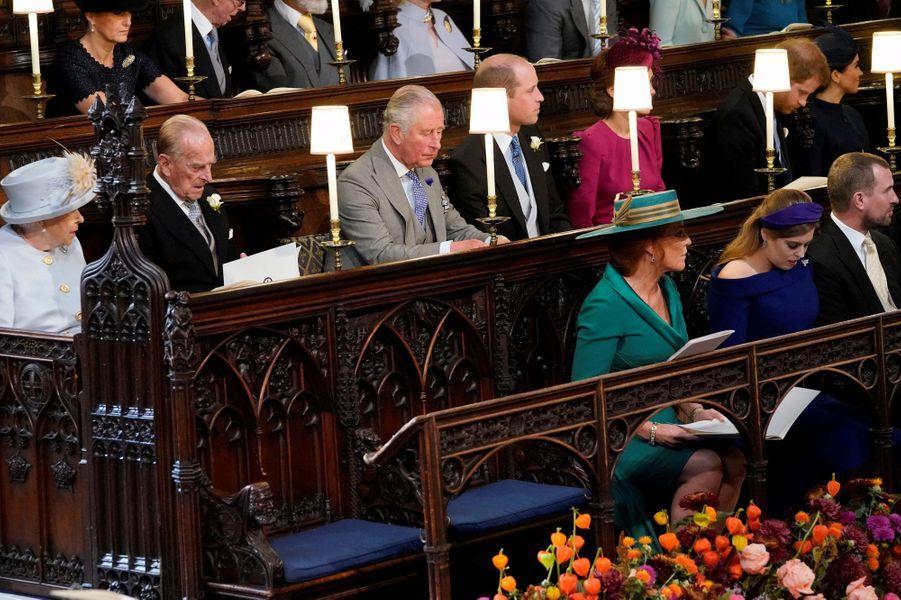 Sarah Ferguson avec la famille royale britannique dans la chapelle St George à Windsor, le 12 octobre 2018
