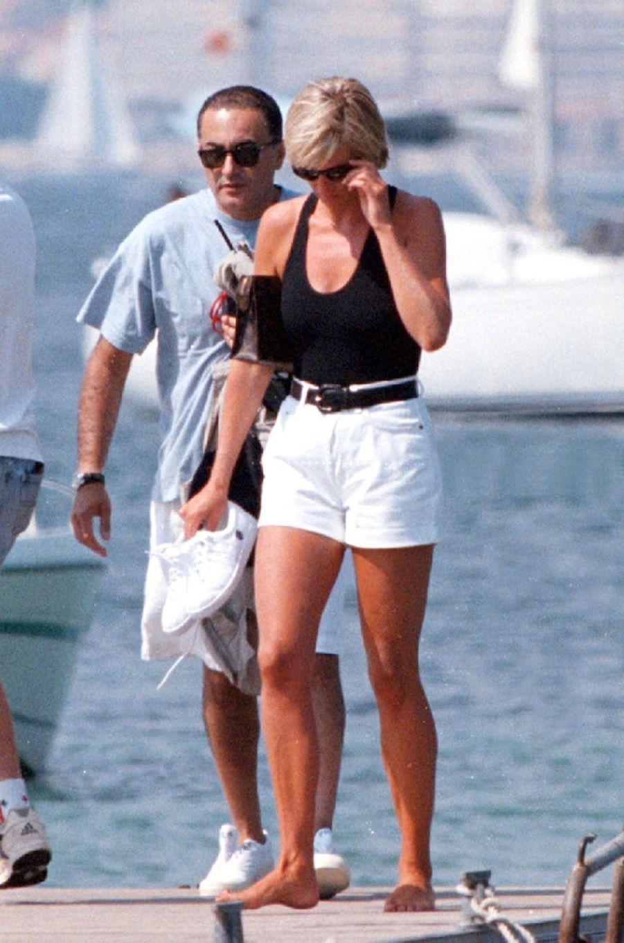 Lady Diana avec Dodi Al-Fayed à Saint-Tropez en juillet 1997