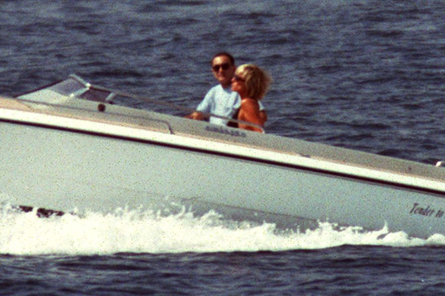 Lady Diana et Dodi Al-Fayed en Méditerranée le 22 août 1997