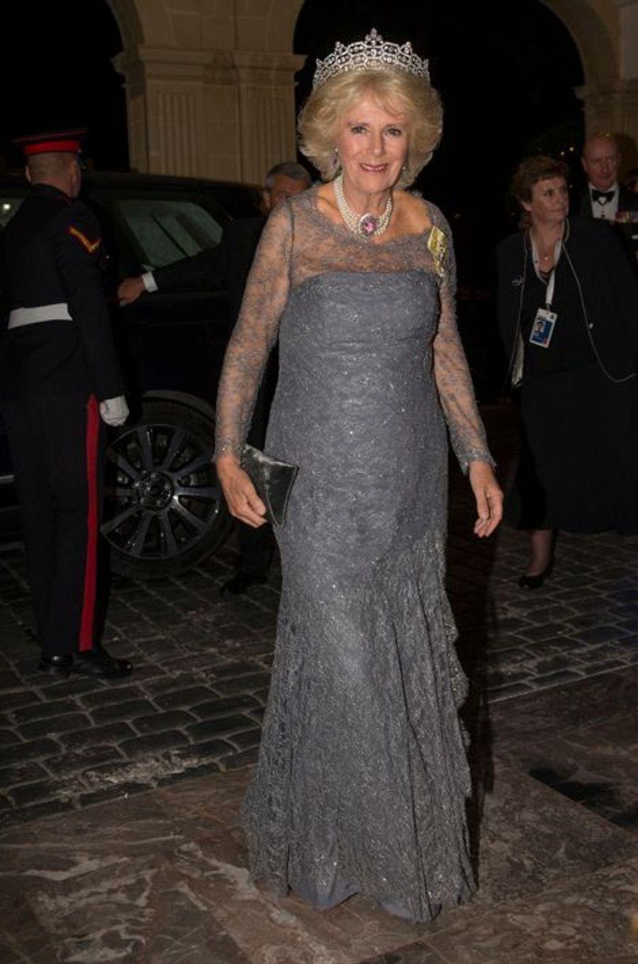 La duchesse de Cornouailles Camilla à Attard sur l'île de Malte, le 27 novembre 2015