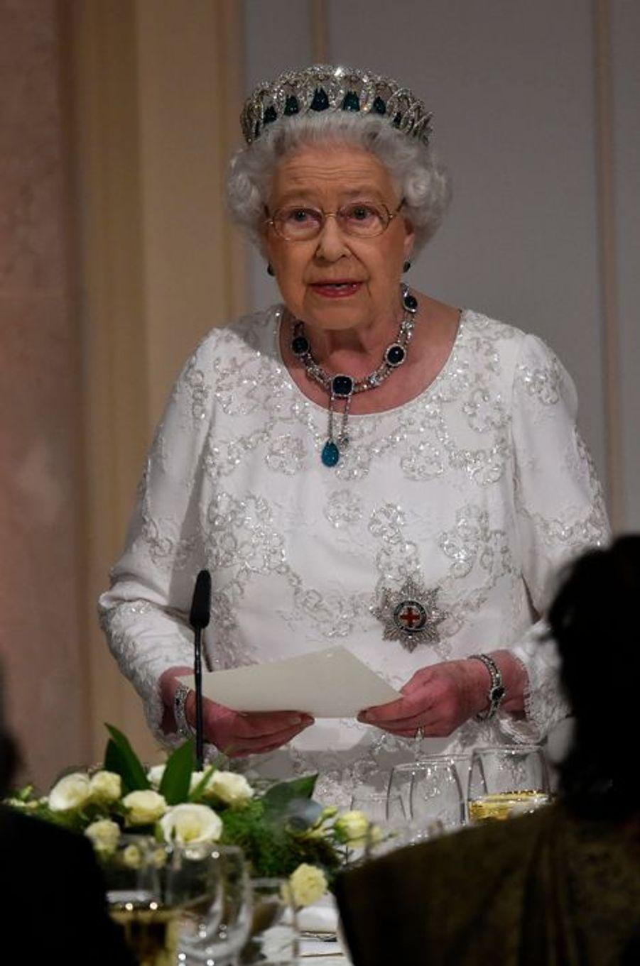 La reine Elizabeth II à Attard sur l'île de Malte, le 27 novembre 2015