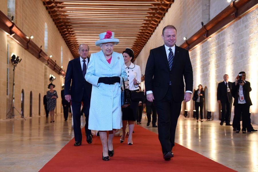 La reine Elizabeth II et le prince Philip au sommet du Commonwealth à Malte, le 27 novembre 2015