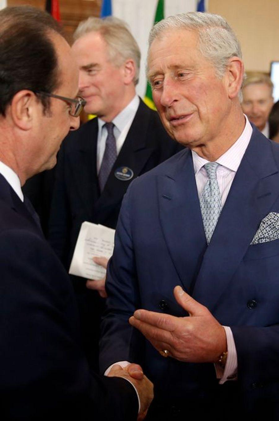 Le prince Charles avec François Hollande à Malte, le 27 novembre 2015