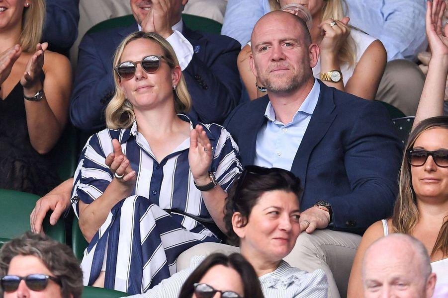 Zara Phillips et son mari Mike Tindall au tournoi de Wimbledon à Londres, le 10 juillet 2019