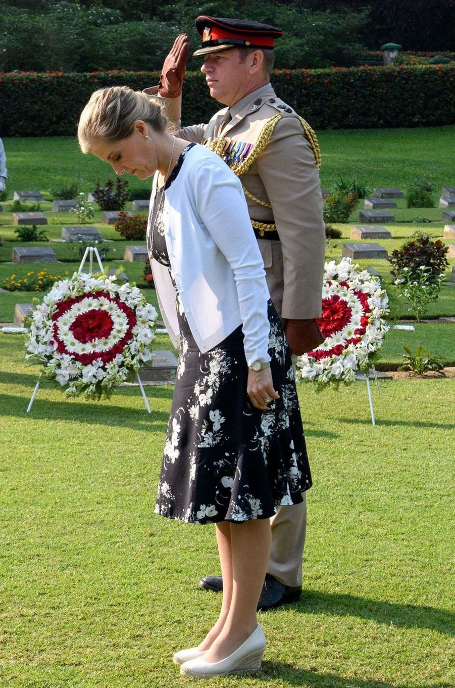 La comtesse Sophie de Wessex au cimetière de guerre de Chittagong, le 21 novembre 2017