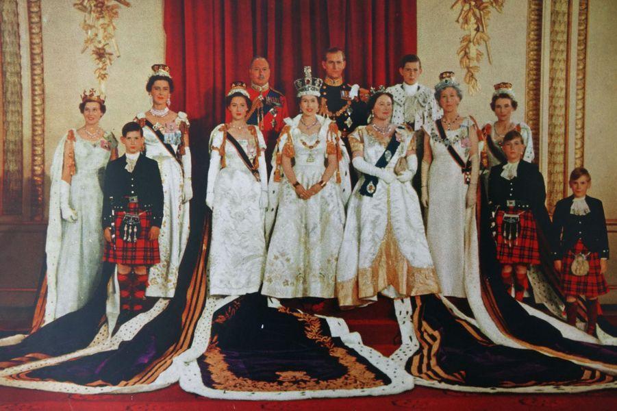 La reine Elizabeth II le jour de son couronnement, le 2 juin 1953