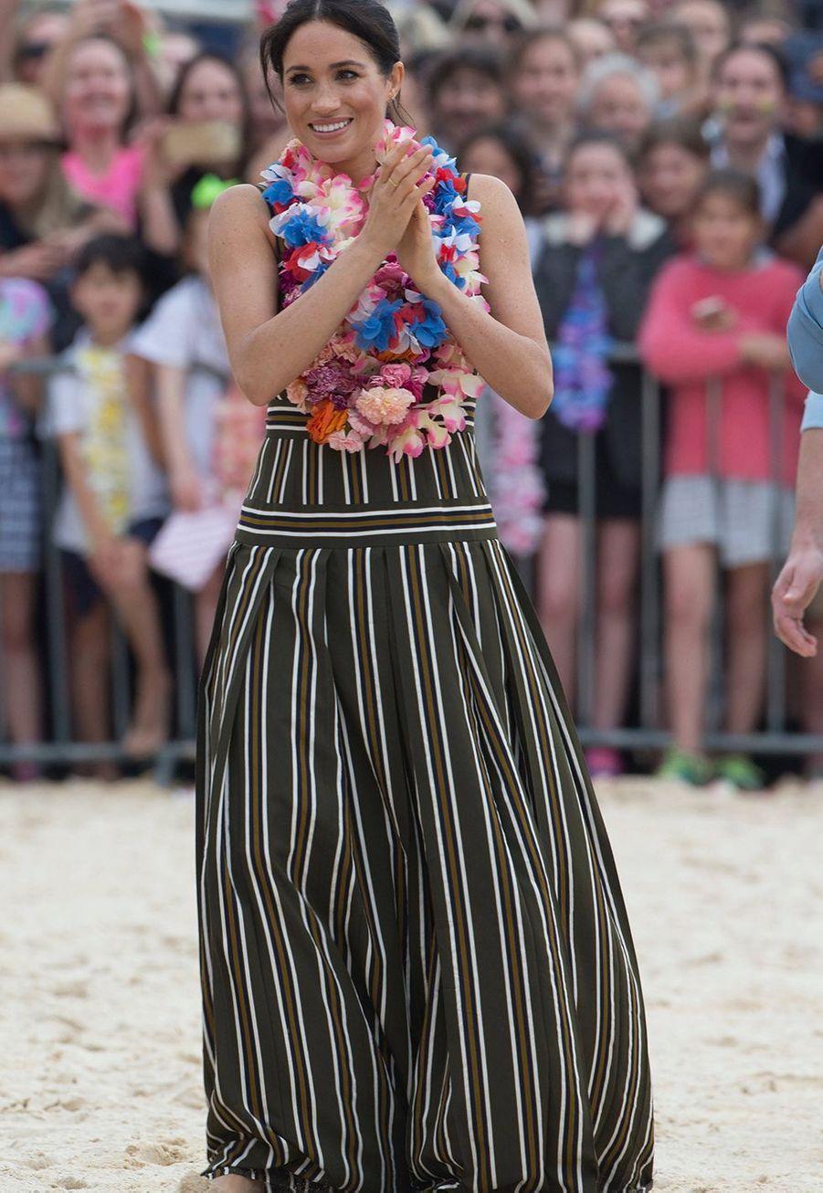 Meghan Markle enceinte de son fils Archie, à Bondi Beach en Australie, en octobre 2018.