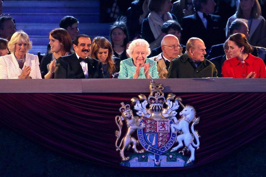 La reine Elizabeth II avec la famille royale britannique et le roi de Bahrein à Windsor, le 15 mai 2016