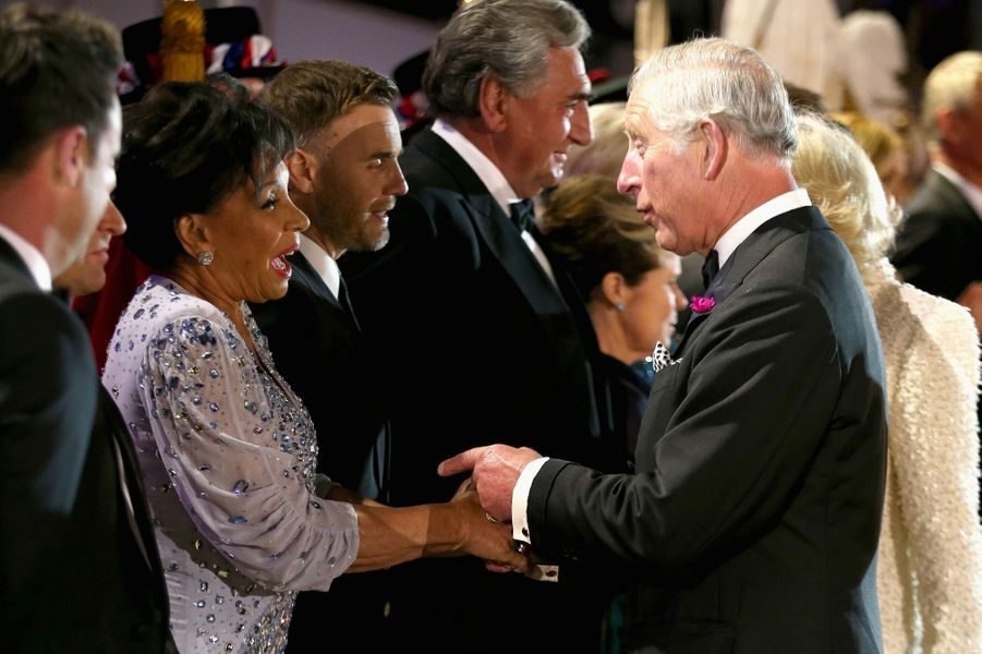 Le prince Charles avec Shirley Bassey à Windsor, le 15 mai 2016