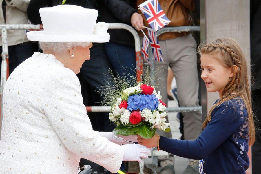 La reine Elizabeth II avec Angela Merckel à l'Université technique de Berlin, le 24 juin 2015
