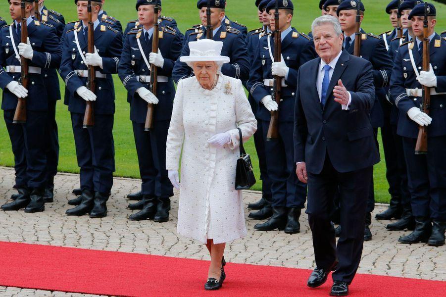 La reine Elizabeth II avec Joachim Gauck à Berlin, le 24 juin 2015