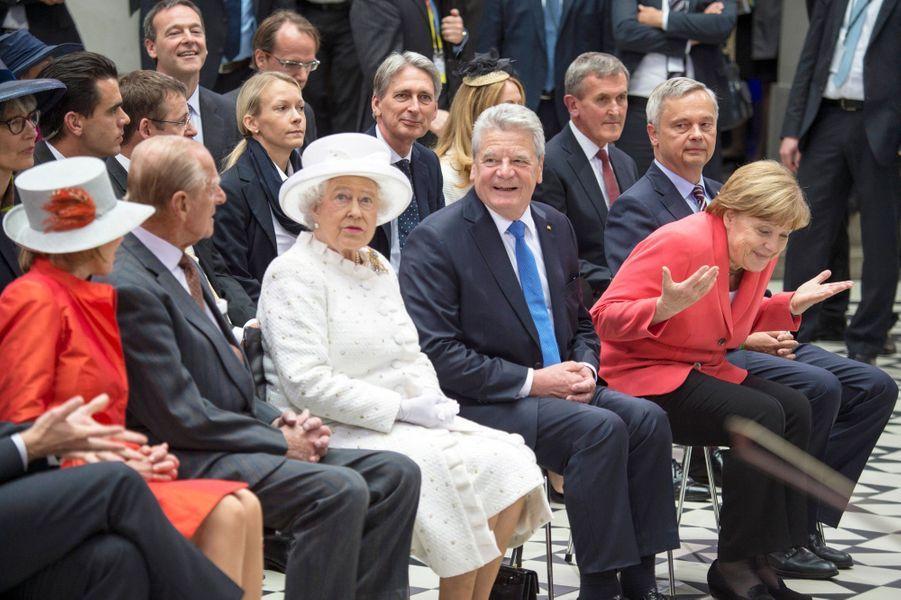 La reine Elizabeth II avec le prince Philip, Joachim Gauck et Angela Merkel à l'Université technique de Berlin, le 24 juin 2015