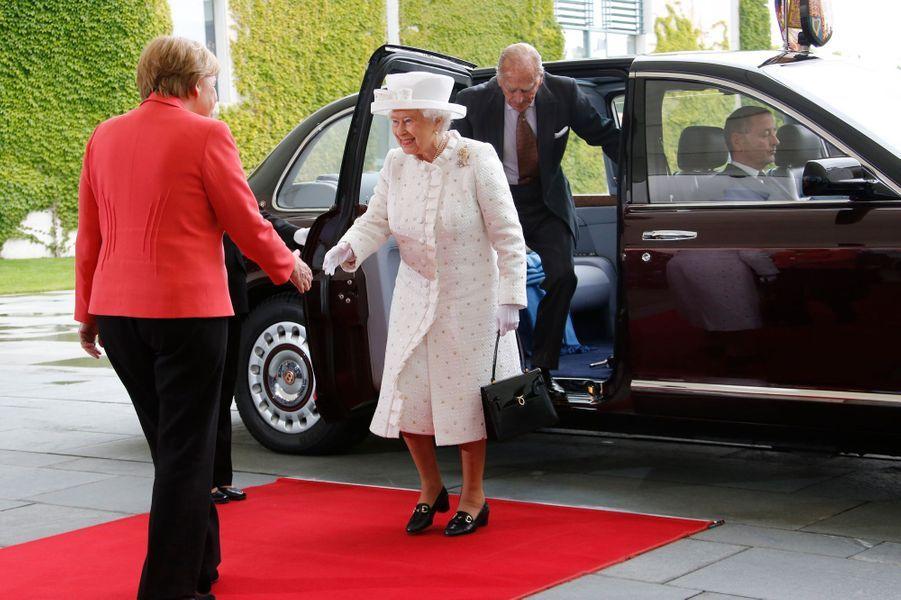 La reine Elizabeth II et le prince Philip avec Angela Merkel à Berlin, le 24 juin 2015
