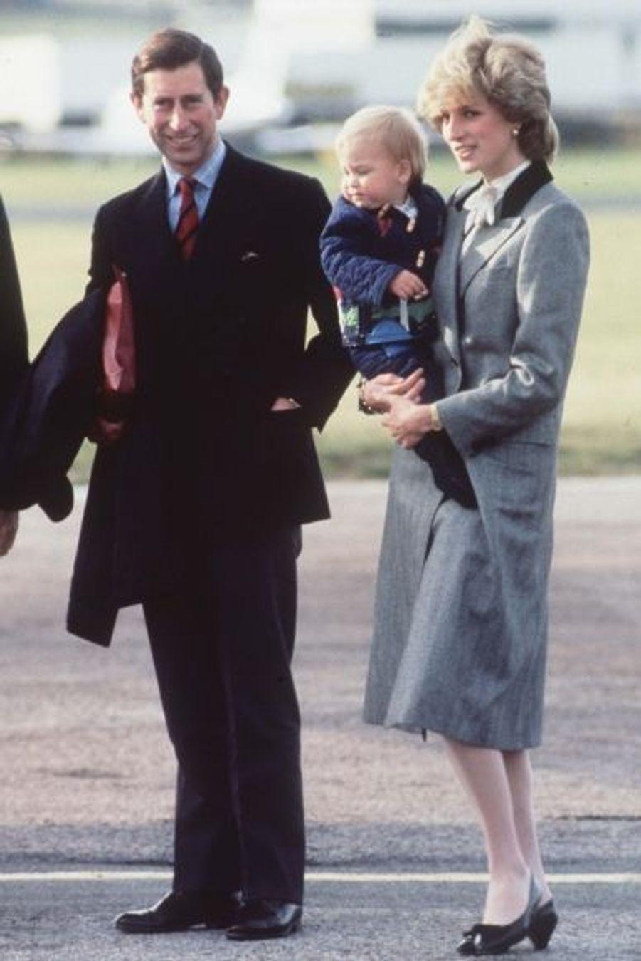 1983 - premier voyage en Ecosse, en juillet à l'aéroport d'Aberdeen