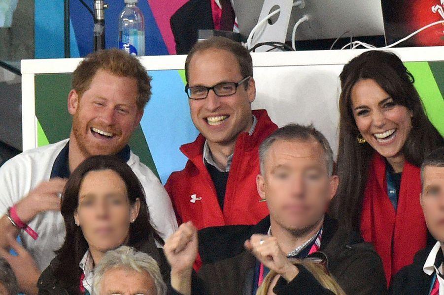 Le prince Harry, le prince William et Kate Middleton lorsde la Coupe du Monde de Rugby en septembre 2015