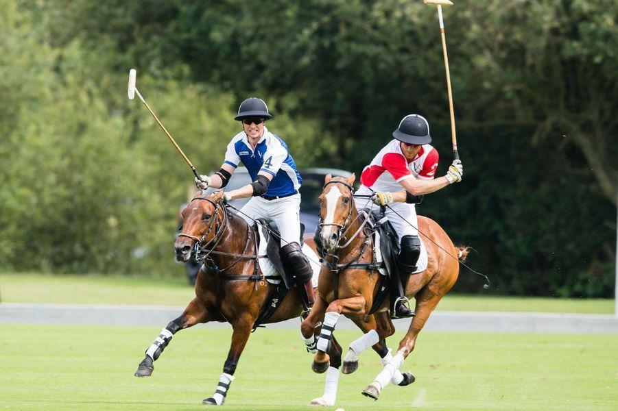 Le prince William et le prince Harry lors de leur dernier match de polo en juillet 2019