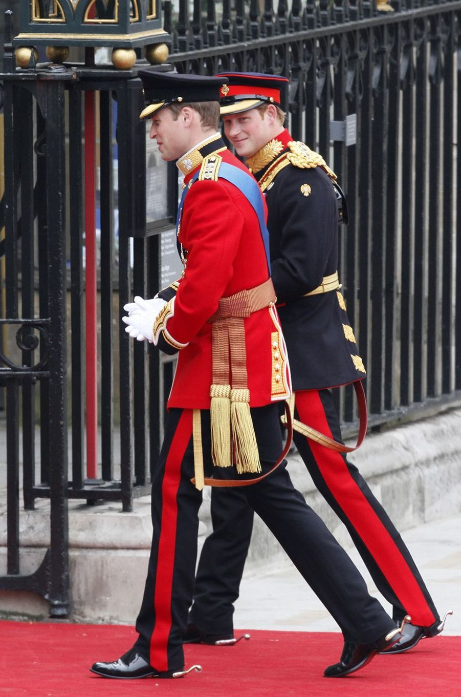 Le prince William et le prince Harry au mariage du duc de Cambridge à Londres en avril 2011