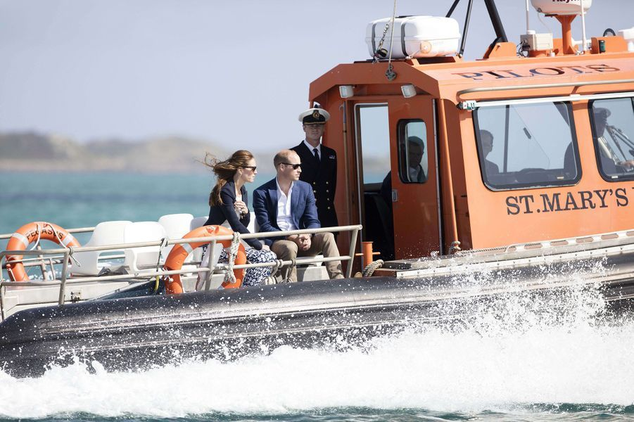 Kate Middleton et le prince William en visite à Tresco, dans les îles Scilly en Cornouailles, en septembre 2016