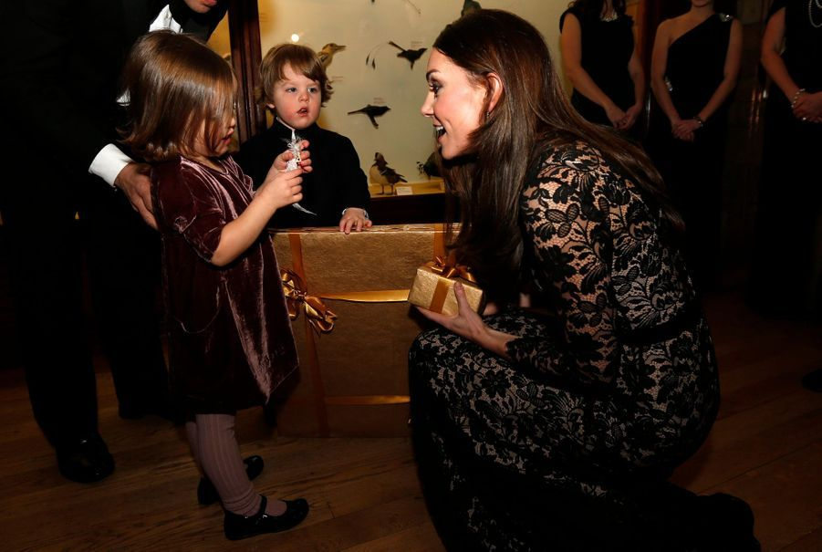 Avant la séance, Kate Middleton a discuté avec des enfants invités à la projection.
