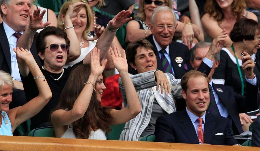 Le duc et la duchesse de Cambridge sont venus supporter lundi leur compatriote, Andy Murray, qui était opposé Richard Gasquet. Et la Ola de William et Kate semble avoir porté ses fruits puisque l'Écossais l'a emporté sur le Français...