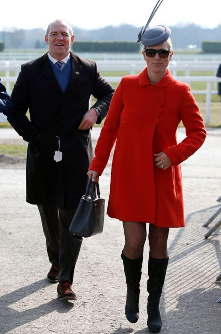 Zara Phillips avec son mari Mike Tendall au Cheltenham Festival, le 17 mars 2016