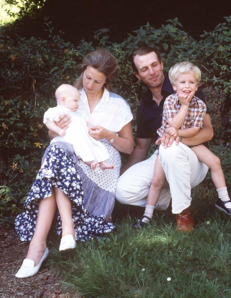 Avec ses parents et son frère Peter en septembre 1982