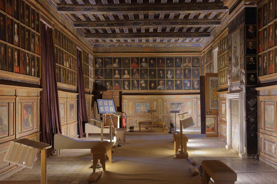 La galerie des Illustres du château de Beauregard, dans le Loir-et-Cher, le 11 novembre 2019