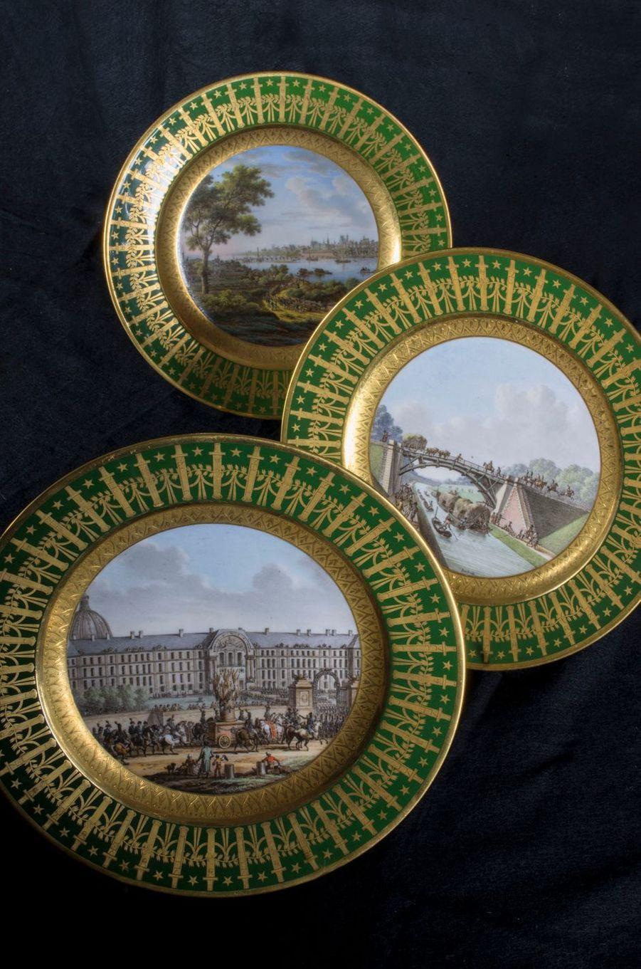 Assiettes du service particulier de l'Empereur. Musée Napoléon Ier au château de Fontainebleau