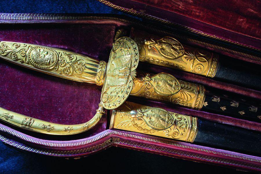 Détail de l'épée de l'Empereur et de ses trois fourreaux. Musée Napoléon Ier au château de Fontainebleau