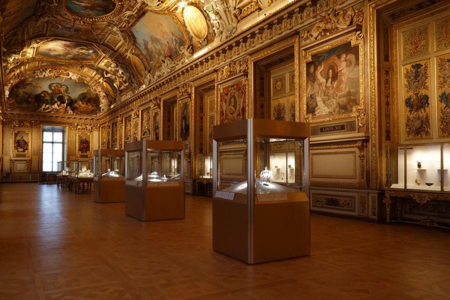 Vue de la galerie d'Apollon, Musée du Louvre, Paris