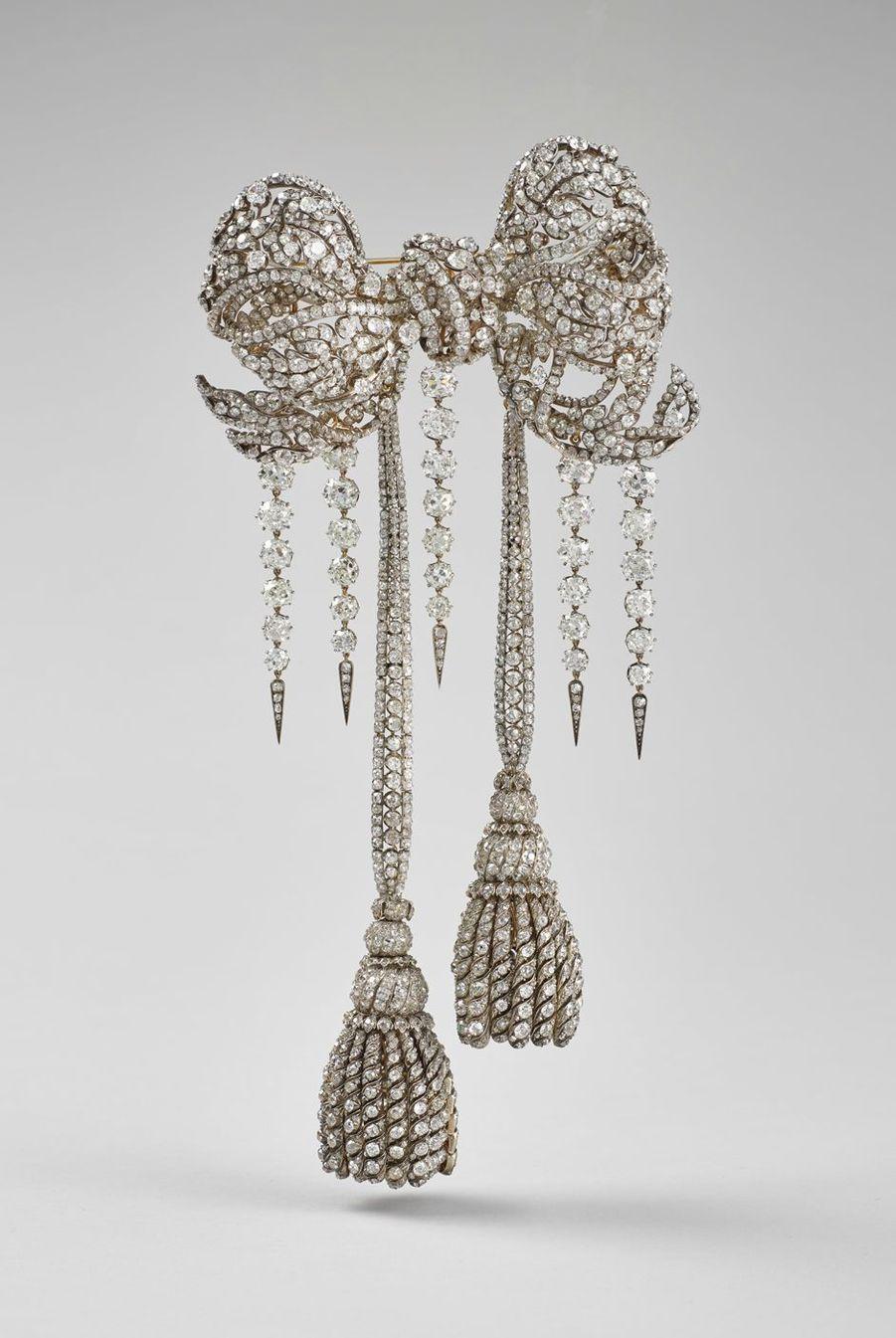 Grand noeud de corsage en diamants de l'impératrice Eugénie, de François Kramer, Paris 1855 et 1864. Musée du Louvre, Paris