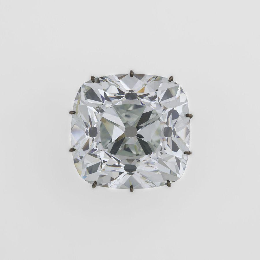 """Diamant dit """"Le Régent"""". Musée du Louvre, Paris"""