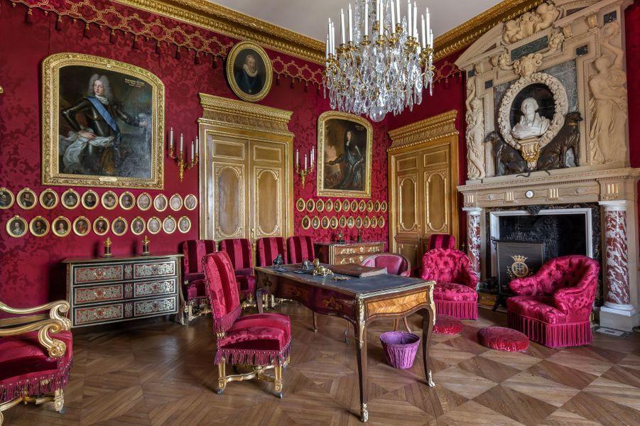 """""""Petits Appartements"""" du château de Chantilly restaurés : le salon de Condé"""