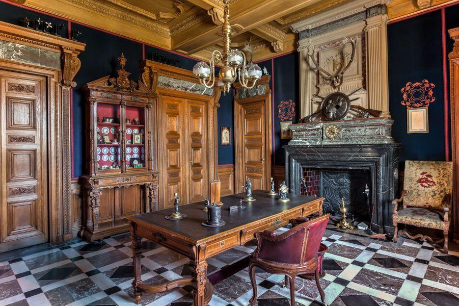 """""""Petits Appartements"""" du château de Chantilly restaurés : la chambre de Marbre"""