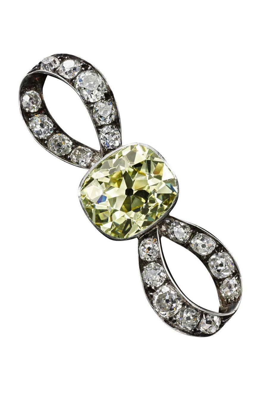 Bijoux de Marie-Antoinette : broche en diamants