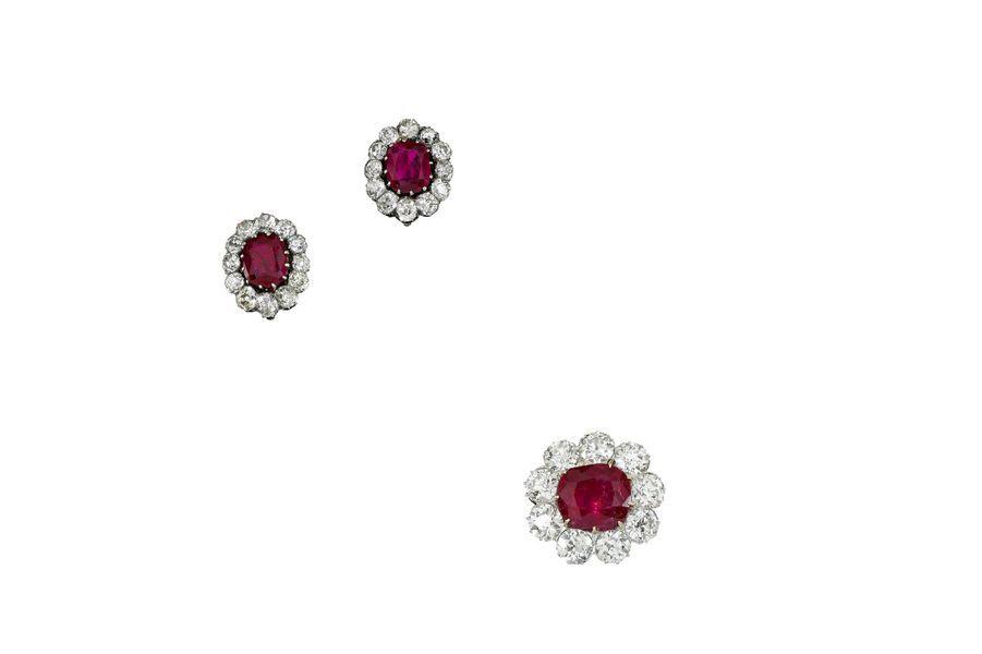 Les trésors de la famille impériale d'Autriche : broche et boucles d'oreilles ornées de rubis birmans