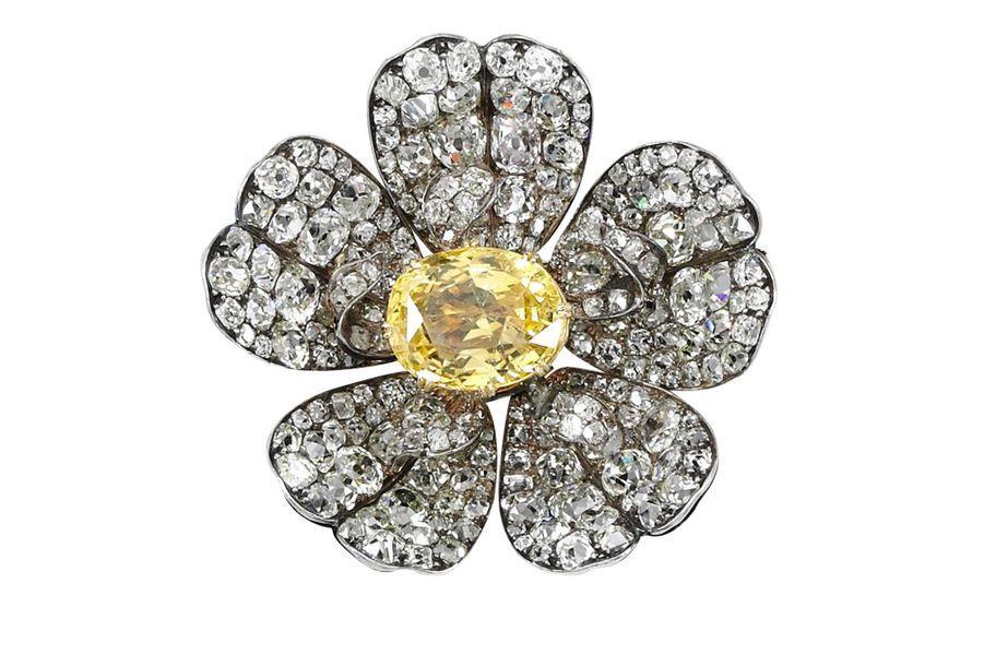 Les trésors de la famille impériale d'Autriche : broche sertie d'un saphir jaune
