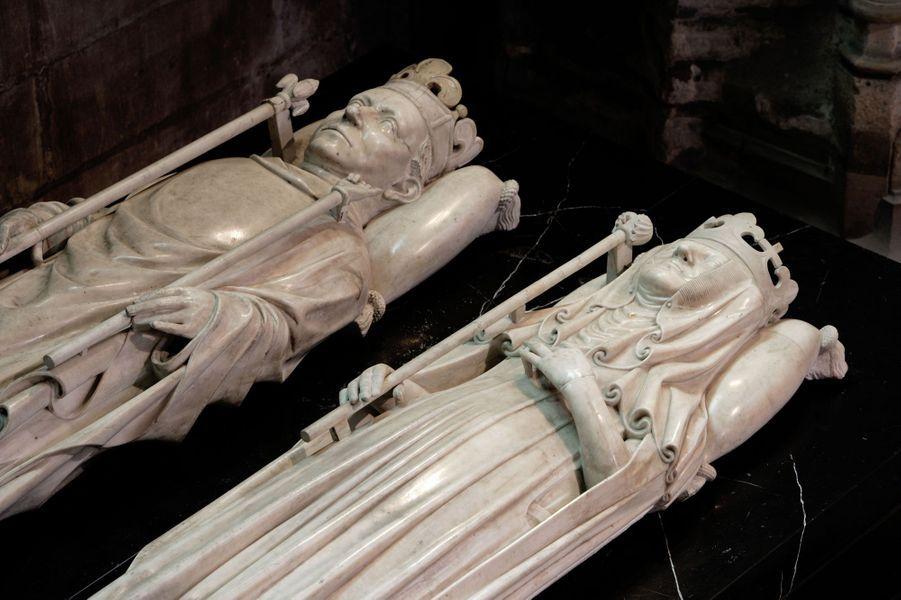 Gisant d'Isabeau de Bavière (morte en 1435), épouse de Charles VI, dans la basilique Saint-Denis