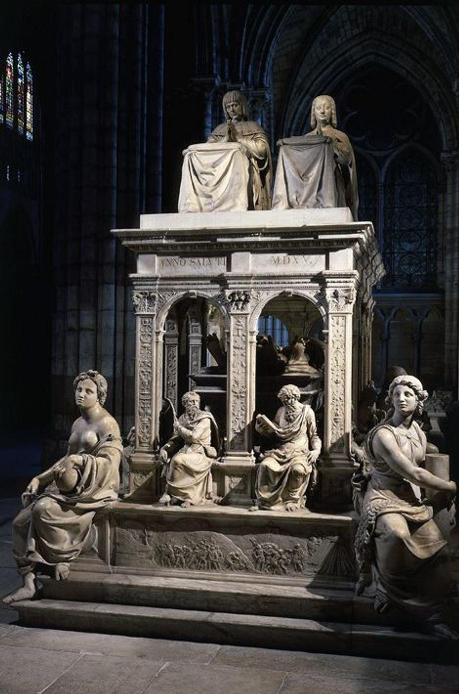 Mausolée d'Anne de Bretagne (morte en 1514) et Louis XII, dans la basilique Saint-Denis