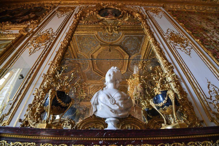 La chambre de la Reine au château de Versailles, restaurée, le 12 avril 2019