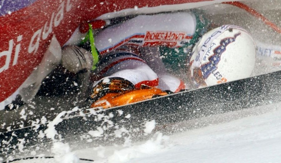 Marion Rolland, skieuse française tristement connue pour sa chute lors des JO de 2010, est tombée lors de l'entraînement pour les championnats du monde de ski à Garmisch-Partenkirchen, en Allemagne.