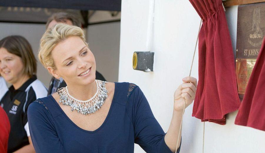 Avant de devenir la première dame de Monaco, elle a voulu retrouver son pays natal et ses amis de jeunesse.