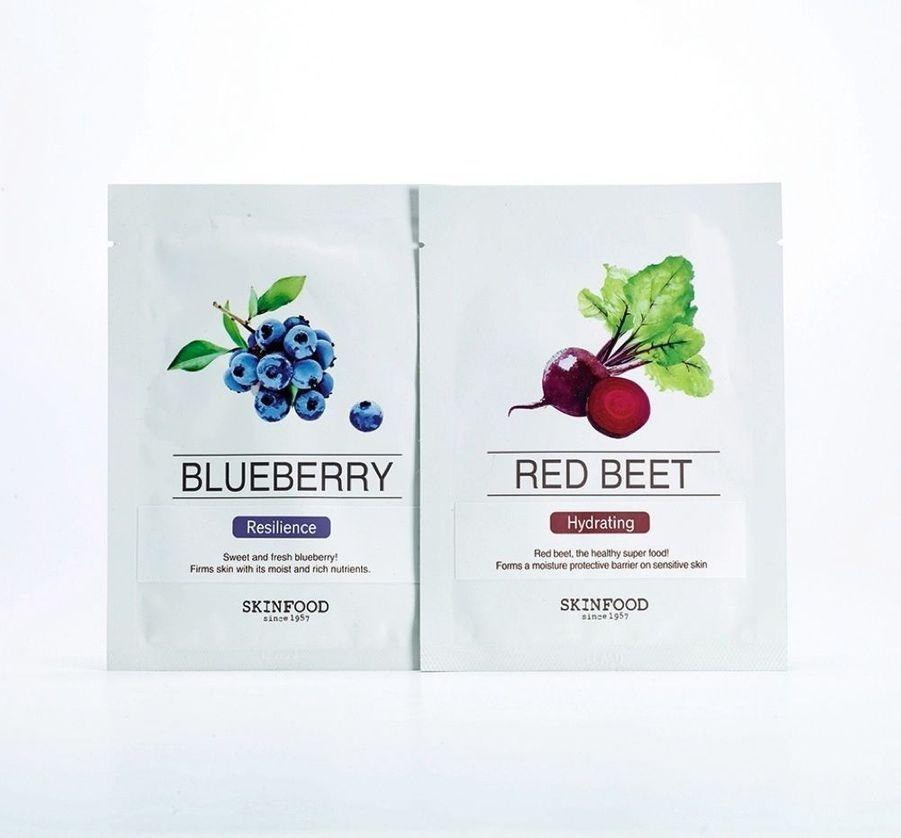 Masques au radis et à la myrtille, pour bien commencer la journée. Skinfood Beauty in a Food, Blueberry/Red Beet, 4,95 € l'unité (chez Sephora).