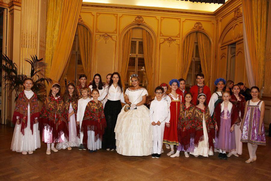 Choeur d'enfants d'Ekaterina Ferrari auprès du conservatoire russe de Paris S.Rachmaninov,avec Ekaterina Ferrari et Anastasia Gaï.