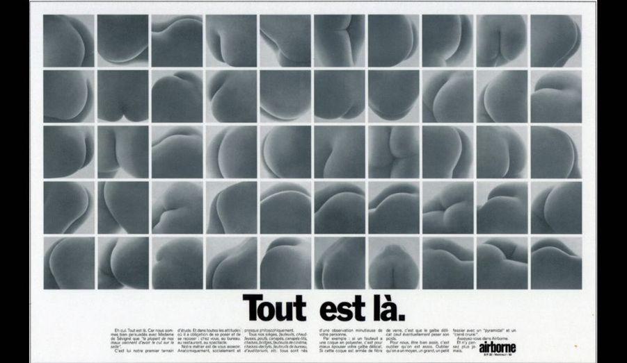 Une double page de publicité montre le principal sujet d'étude de l'éditeur de meubles : les fesses ! C'est pour leur seul bien-être que travaille la marque. Confort, plaisir, hédonisme, toute l'époque est là.