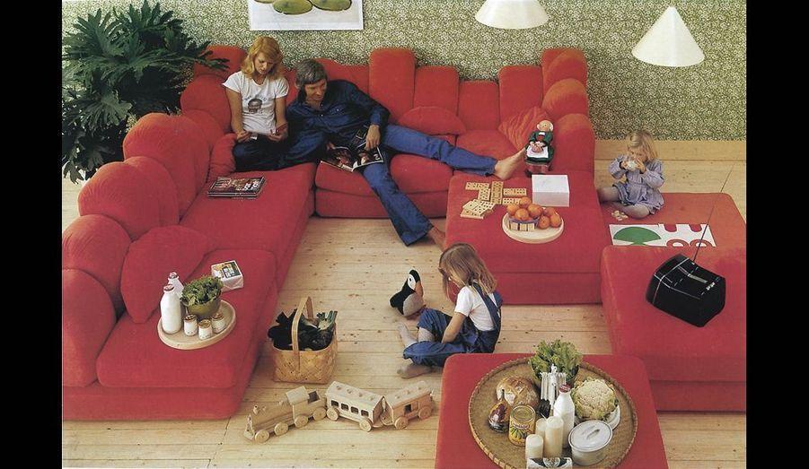 Dromadaire, de Hans Hopfer pour Roche Bobois, échappe à toutes les conventions. Il est voué à devenir un immense lounge de relaxation.