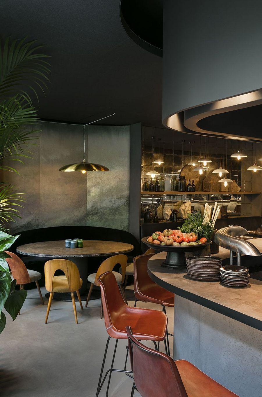 Le Ristorante National est situé au243 rue Saint-Martin dans le IIIe arrondissement de Paris
